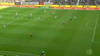 Cleber Janderson Pereira Reis receives a red card in the match B. Monchengladbach vs Hamburger
