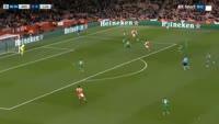 Mesut Ozil scores in the match Arsenal vs Ludogorets