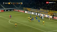 Guillaume Hoarau scores in the match Young Boys vs APOEL
