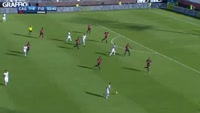 Nikola Kalinic scores in the match Cagliari vs Fiorentina