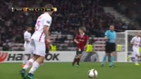 Hee-Chan Hwang scores in the match Nice vs Salzburg