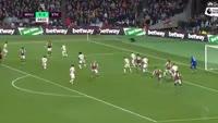 Glenn Whelan scores own goal in the match West Ham vs Stoke City