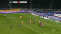 Salomon Kalou scores in the match Hertha Berlin vs Darmstadt