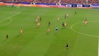 Jose Callejon scores in the match Benfica vs Napoli