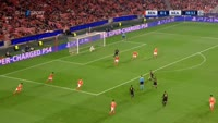 Dries Mertens scores in the match Benfica vs Napoli