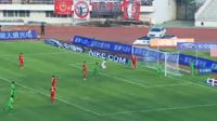 Anselmo Ramon scores in the match Changchun Yatai vs Hangzhou Greentown