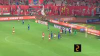 Ricardo Goulart scores in the match Guangzhou Evergrande vs Chongqing Lifan