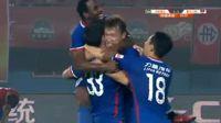 Emanuel Gigliotti scores in the match Henan Jianye vs Chongqing Lifan