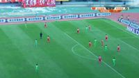 Tim Cahill scores in the match Yanbian vs Hangzhou Greentown