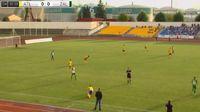 Elivelto Ribeiro Dantas receives a yellow card in the match Atlantas vs Zalgiris
