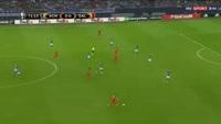 Jonathan Soriano scores in the match Schalke vs Salzburg