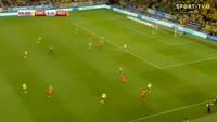 Wesley Sneijder scores in the match Sweden vs Netherlands