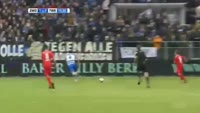 Oussama Assaidi scores in the match Zwolle vs Twente