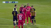Stratos Svarnas receives a red card in the match Xanthi vs AEK