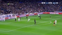 Toni Kroos scores in the match Real Madrid vs Napoli