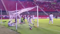 Andre Lima scores in the match Vitoria vs CE Flamengo
