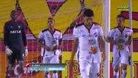 Paulo Luiz Beraldo Santos scores in the match Vitoria vs CE Flamengo
