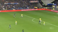 Davy Klaassen scores in the match Vitesse vs Ajax
