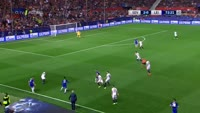 Jamie Vardy scores in the match Sevilla vs Leicester