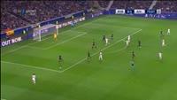 Dani Alves scores in the match FC Porto vs Juventus