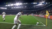 Paulo Dybala scores in the match Juventus vs FC Porto