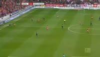 Jhon Cordoba scores in the match Mainz vs Wolfsburg
