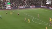 Christian Benteke scores in the match Southampton vs Crystal Palace