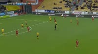 Alex Dyer receives a yellow card in the match Elfsborg vs Ostersunds