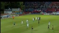 Sergio Araujo scores in the match Panionios vs AEK