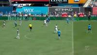 Fafa Picault scores in the match New York City vs Philadelphia Union