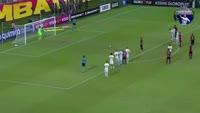 Meira Neilton scores in the match Vitoria vs Chapecoense-SC