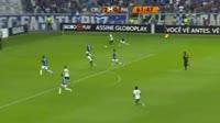 Willian Gomes scores in the match Cruzeiro vs Palmeiras