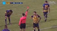Brian Bernaola receives a yellow card in the match Sport Rosario vs Alianza Atl.