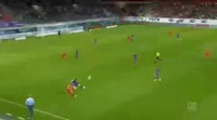 Maximilian Thiel scores in the match Heidenheim vs Aue
