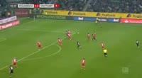 Borussia M'gladbach 2-0 Stuttgart - Golo de Raffael (57min)