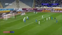 Roozbeh Cheshmi scores in the match Esteghlal TEH vs Zob Ahan
