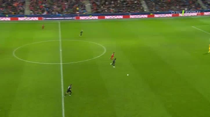 هدف ثاني ل ليفربول (محمد صلاح)
