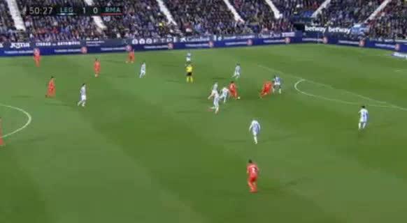 هدف أول ل ريال مدريد (كريم بن زيمة)