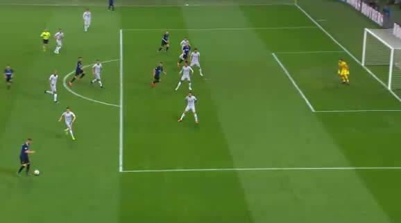 هدف أول ل إنترناسيونالي (إيفان بيريسيتش)