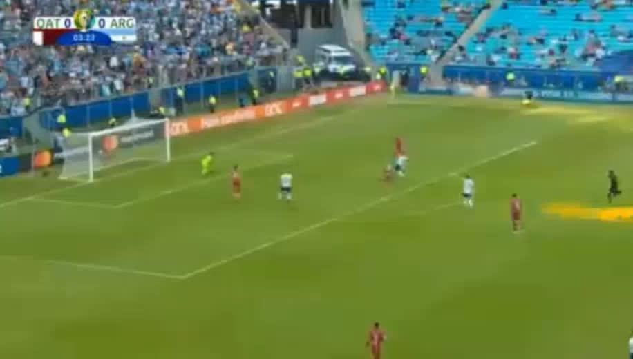 هدف أول ل الأرجنتين (لوتارو مارتينيز)
