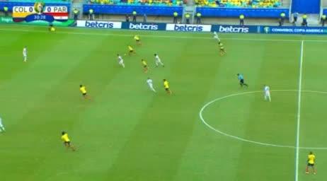 هدف أول ل كولومبيا (جوستافو كويلار)