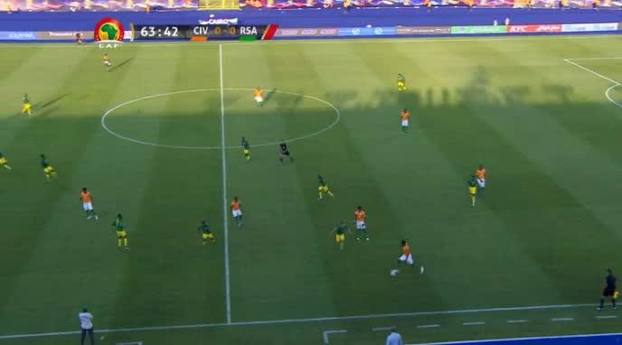 هدف أول ل ساحل العاج (جوناثان كودجيا)