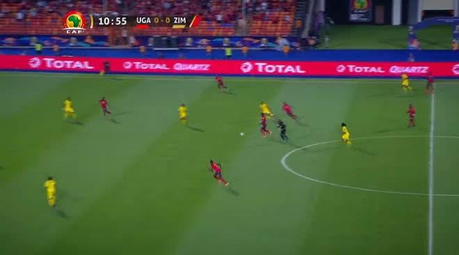هدف أول ل أوغندا (إيمانويل أوكوي)