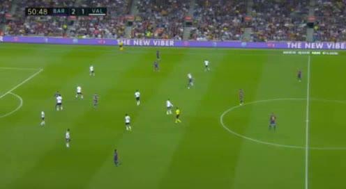 هدف ثالث ل برشلونة (بيكيه)
