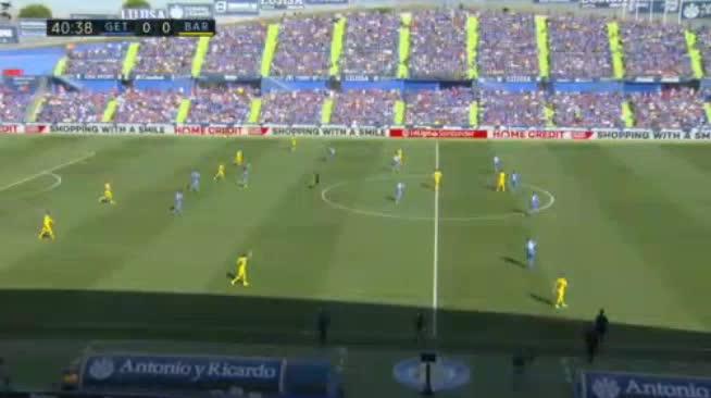 هدف أول ل برشلونة (لويس سواريز)