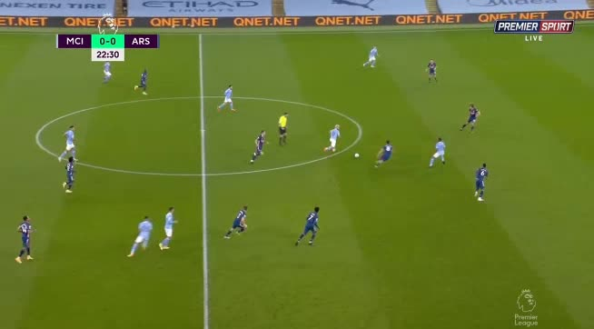 هدف أول ل مانشستر سيتي (رحيم ستيرلينج)