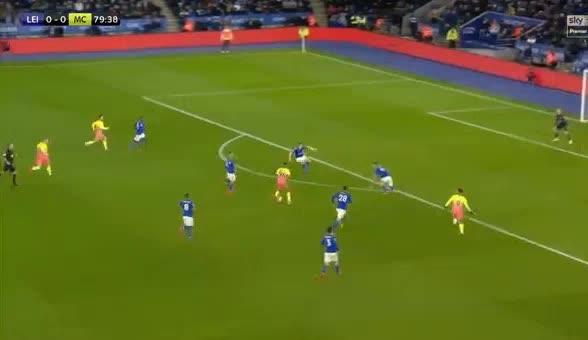 هدف أول ل مانشستر سيتي (جابرييل جيسوس)