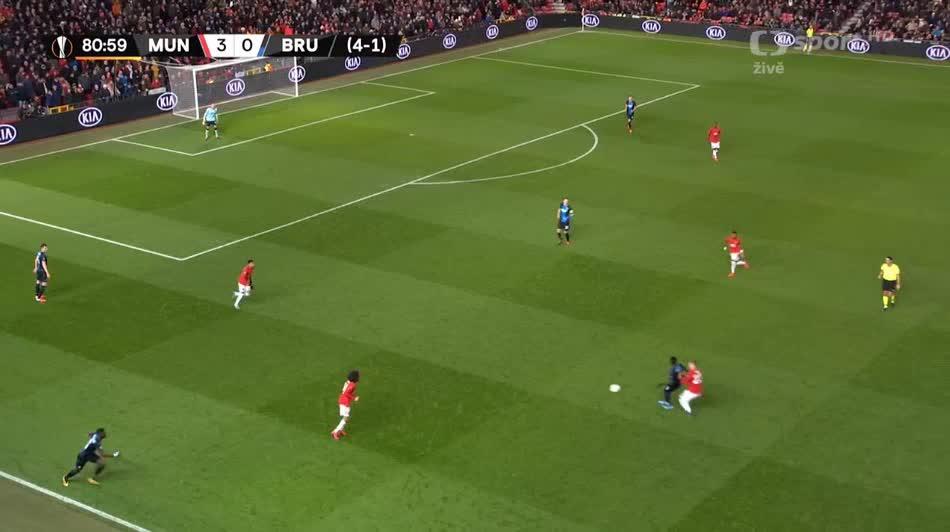هدف رابع ل مانشستر يونايتد (فريد)