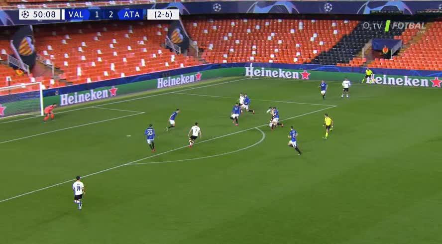 هدف ثاني ل فالنسيا (كيفن جاميرو)