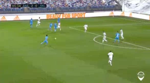 هدف ثالث ل ريال مدريد (كريم بنزيما)